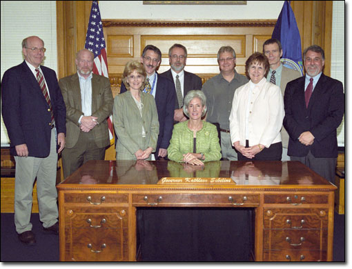 Several AHCJ members and staff visited Sebelius in Topeka on April 21, 2008, as part of AHCJ's Midwest Health Journalism Program Fellowships.