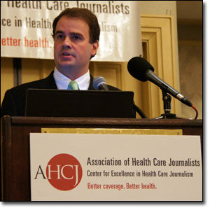 Lemole speaks at Health Journalism 2011 in Philadelphia on April 16.